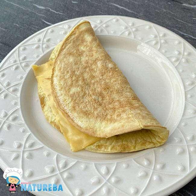 Crepioca-Simples-1 15 Maneiras de Como Substituir o Pão no Café da Manhã