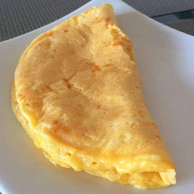 Pão-de-Queijo-de-Frigideira-Fit 15 Maneiras de Como Substituir o Pão no Café da Manhã