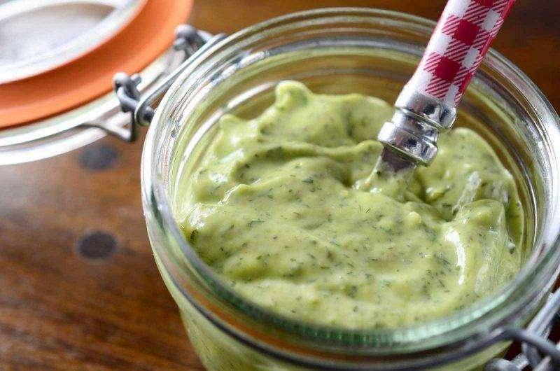 MOLHO-DE-ABACATE 10 Receitas de Molhos Para Saladas