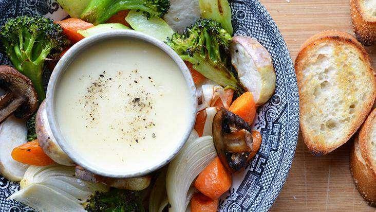 MOLHO-DE-QUEIJO 10 Receitas de Molhos Para Saladas
