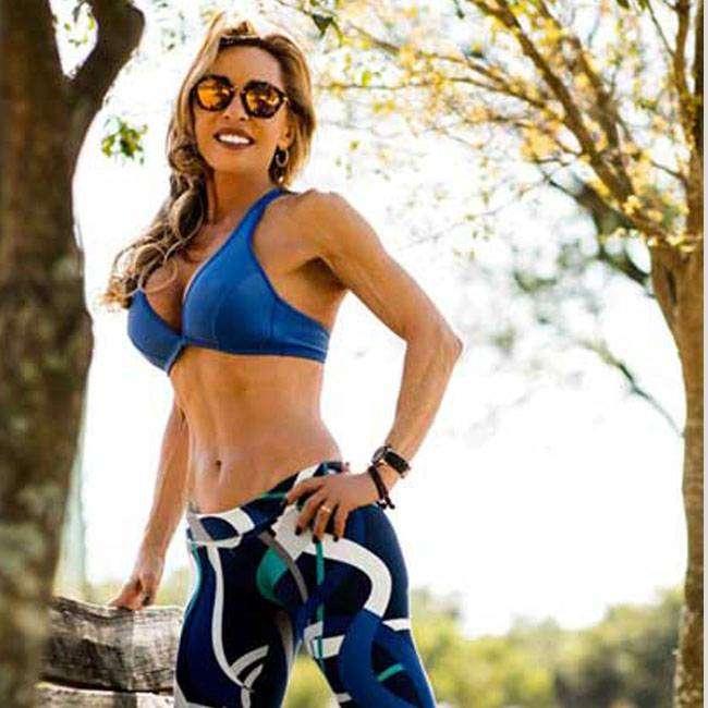 Adrina-Vira-Musa-Fitness-aos-60-anos-VEJA-SEU-SEGREDO Adrina Vira Musa Fitness aos 60 anos, VEJA SEU SEGREDO!