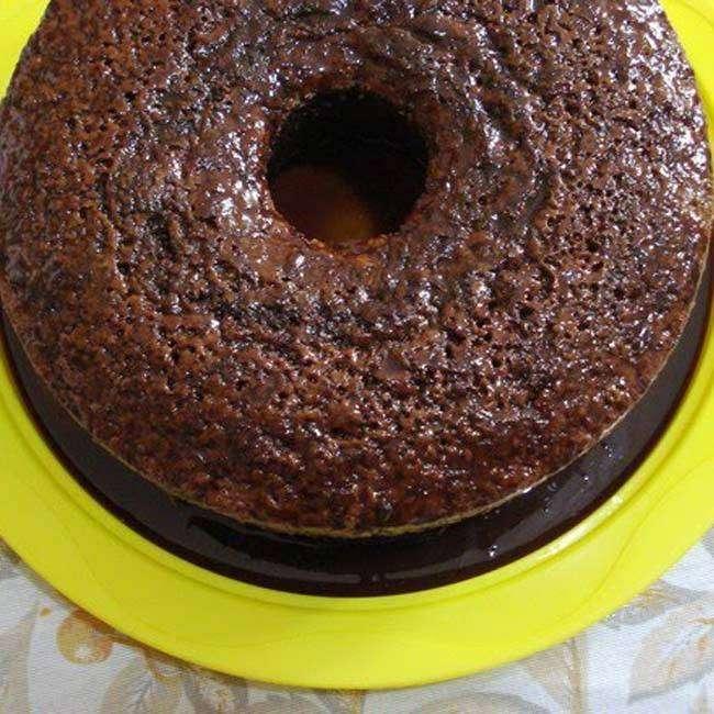 Bolo-Integral-de-Chocolate-e-Aveia-com-Cobertura Bolo Integral de Chocolate e Aveia com Cobertura