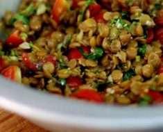 Como Fazer Salada de Lentilha com Atum