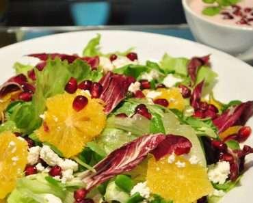 Salada de Romã Com Molho de Iogurte