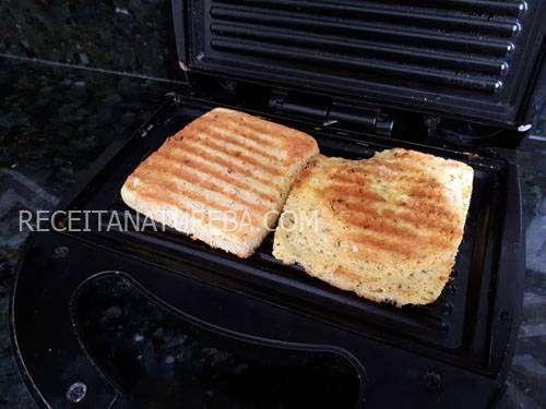 Pão de Quinoa de Microondas