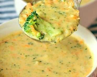 Sopa de Brócolis com Queijo