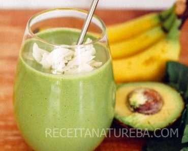 Vitamina de Banana com Abacate