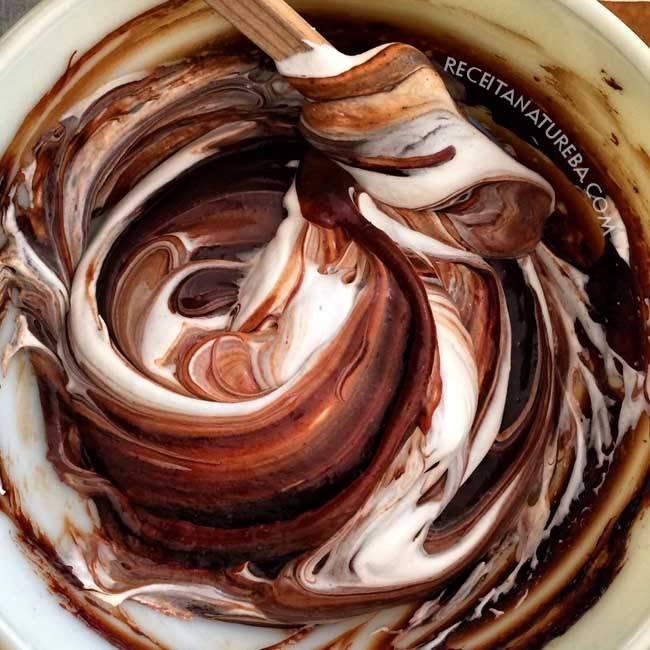 Mousse de Chocolate Low Carb Fácil