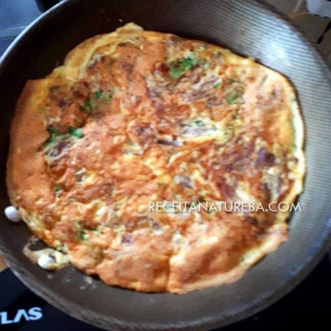 Omelete de Frango Desfiado