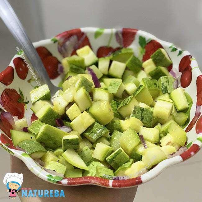 Salada-de-Abobrinha Salada de Abobrinha