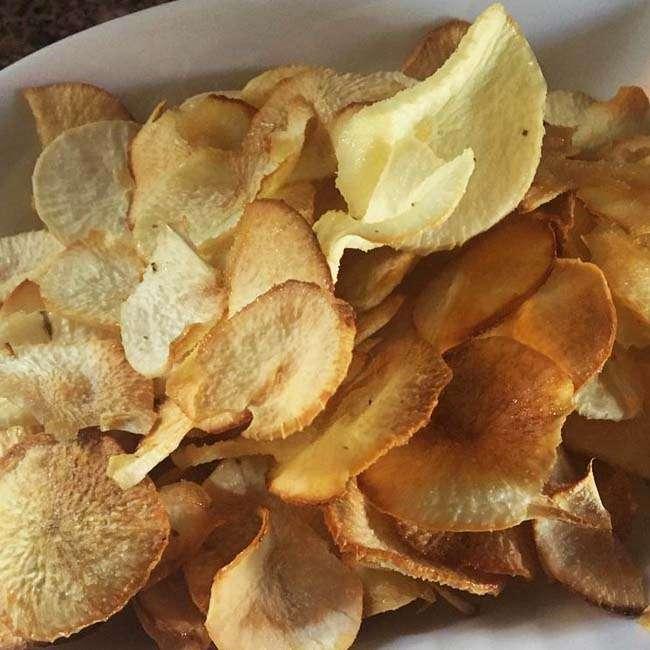 Chips-de-Mandioca-Assado Chips de Mandioca Assado