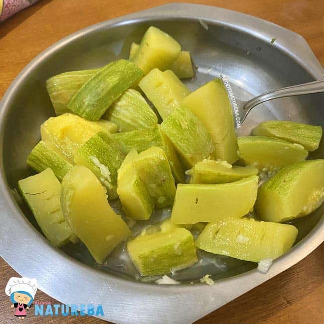 Salada-de-Abobrinha-Cozida Salada de Abobrinha Cozida