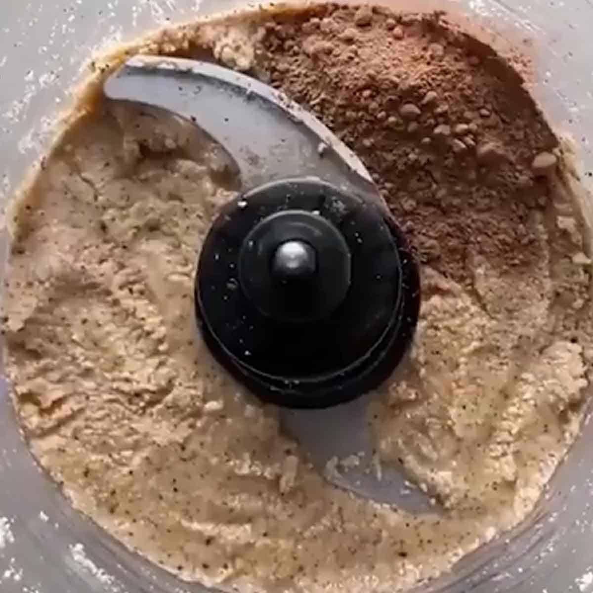 betendo-as-amendoas-para-fazer-a-nutella-vegana Nutella Vegana
